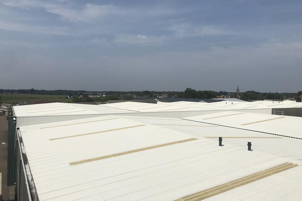 Stalen dak beplating coaten / overspuiten / renoveren